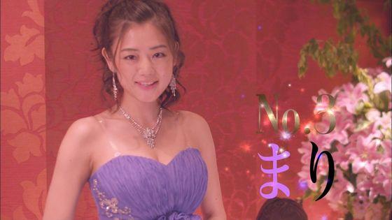 片山萌美 ドラマのキャバ嬢役で披露するGカップ谷間キャプ 画像30枚 1