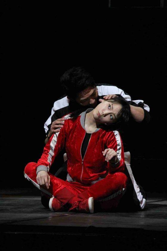 松井玲奈 舞台公演でキスやおっぱい揉みを披露 画像19枚 4