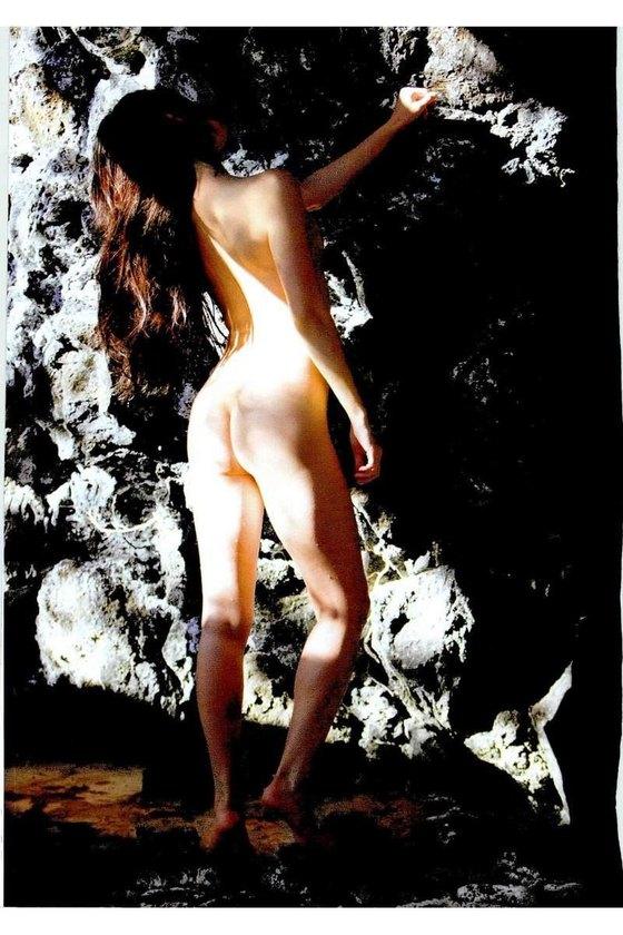 矢吹春奈 映画日本で一番悪い奴らの刺青ヌードグラビア 画像26枚 13