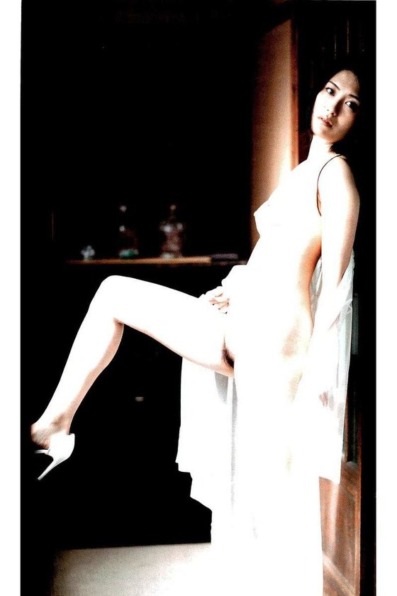 矢吹春奈 映画日本で一番悪い奴らの刺青ヌードグラビア 画像26枚 18