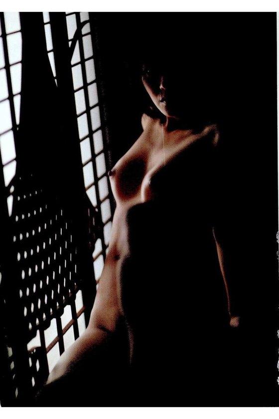矢吹春奈 映画日本で一番悪い奴らの刺青ヌードグラビア 画像26枚 24