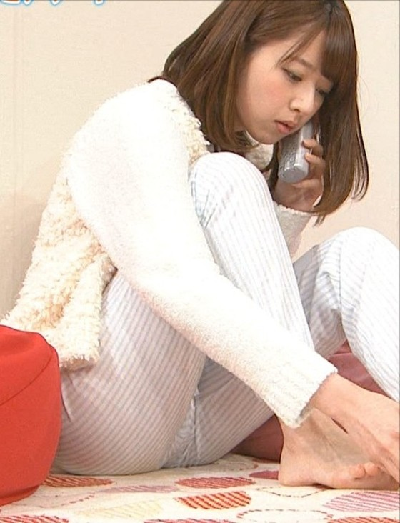 橋本奈々未 妖精姿の腋チラと爪切り股間キャプ 画像30枚 14