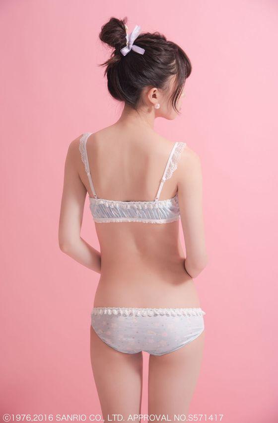 増澤璃凜子 サンリオ下着モデルで披露した貧乳幼児体型 画像12枚 3