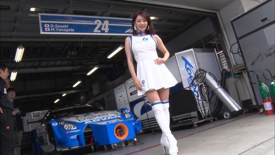 西村いちか SUPER GT+のお尻食い込みパンチラキャプ 画像20枚 5
