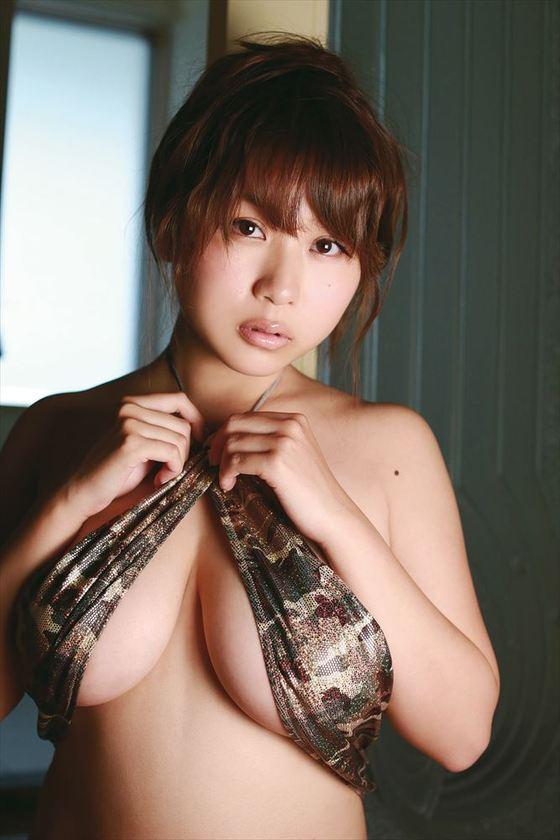 西田麻衣 写真集未熟PRイベントのIカップ谷間 画像30枚 28