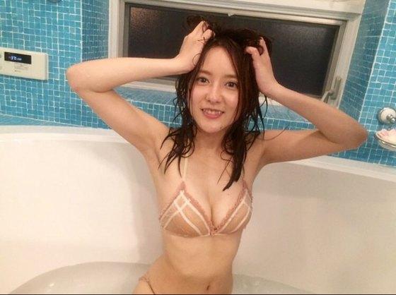 生田佳那 ヤンジャンの水着姿Eカップ谷間 画像22枚 6