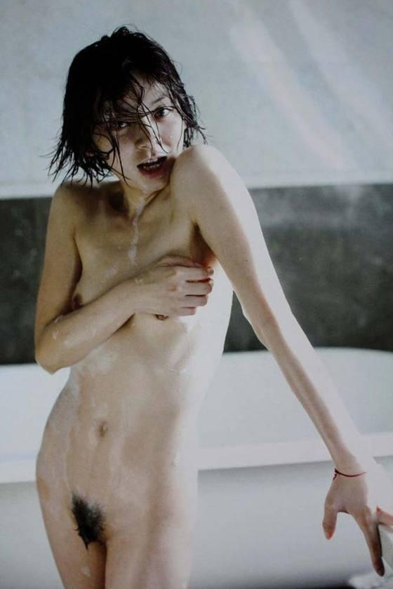 芸能人がおっぱいと陰毛を披露したヘアヌード 画像21枚 13