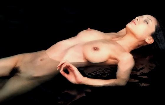 芸能人がおっぱいと陰毛を披露したヘアヌード 画像21枚 18