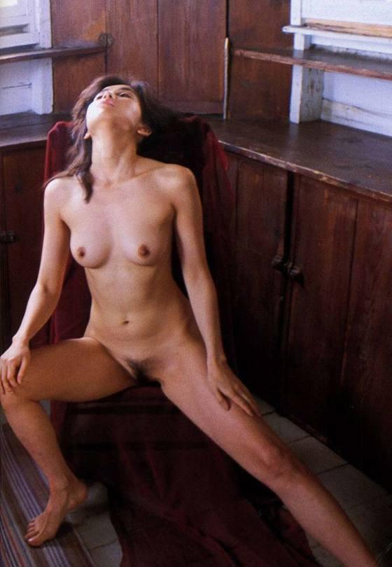 芸能人がおっぱいと陰毛を披露したヘアヌード 画像21枚 21