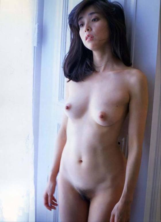 芸能人がおっぱいと陰毛を披露したヘアヌード 画像21枚 22