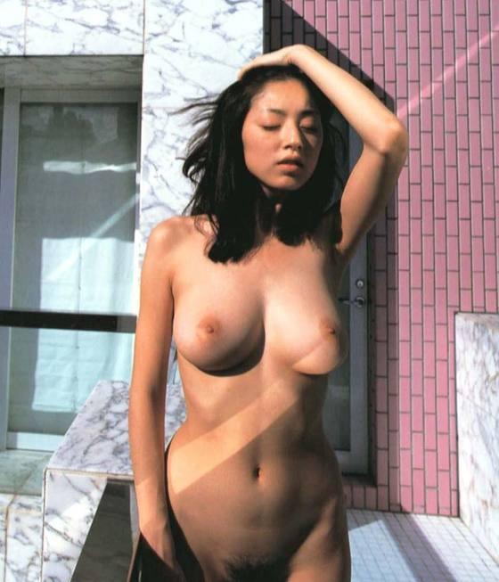 芸能人がおっぱいと陰毛を披露したヘアヌード 画像21枚 25