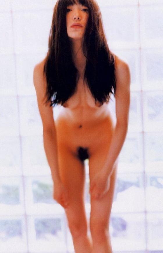 芸能人がおっぱいと陰毛を披露したヘアヌード 画像21枚 3