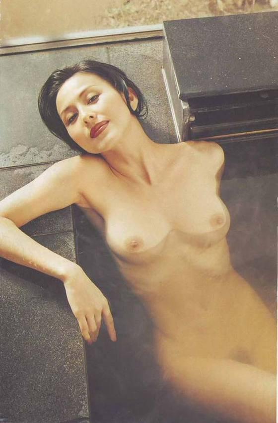 芸能人がおっぱいと陰毛を披露したヘアヌード 画像21枚 5