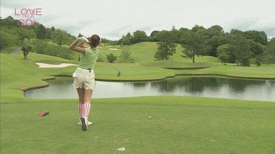 久松郁実 ラブゴル2のキュートなゴルフウェア姿キャプ 画像25枚 14