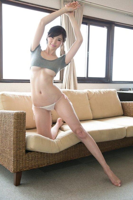 松嶋えいみ シンクロニシティの巨尻&股間食い込みキャプ 画像46枚 5