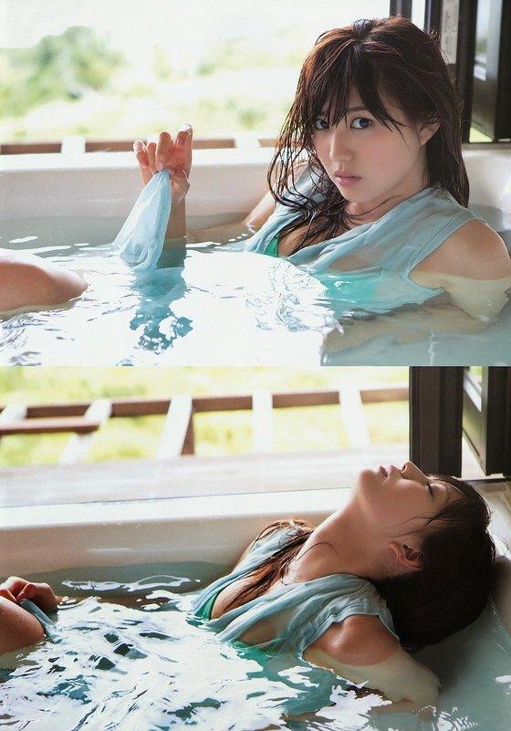 岩崎名美 ヤングマガジンの水着Gカップ谷間最新グラビア 画像25枚 16