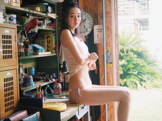 江野沢愛美 ヤングジャンプの水着Bカップ谷間&全開腋 画像24枚 12