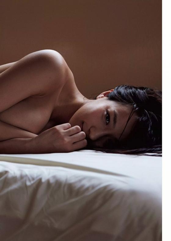 小瀬田麻由 Fカップ巨乳手ブラセミヌードグラビア 画像30枚 14