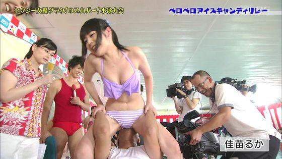 鬼頭桃菜 スカパー水泳大会のおっぱいポロリと擬似フェラキャプ 画像61枚 16