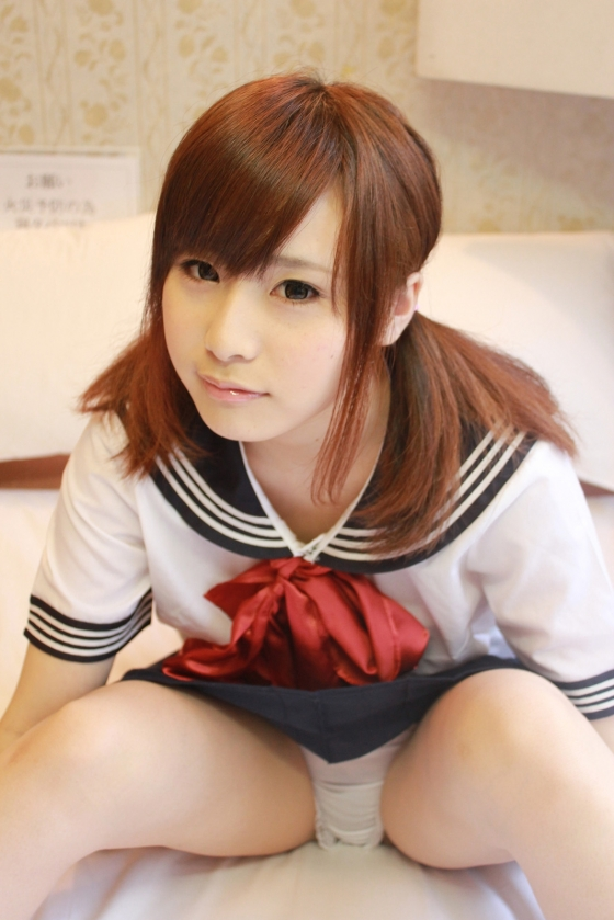 逢坂愛 メイドコスプレの陰毛チラ&染みパングラビア 画像28枚 22