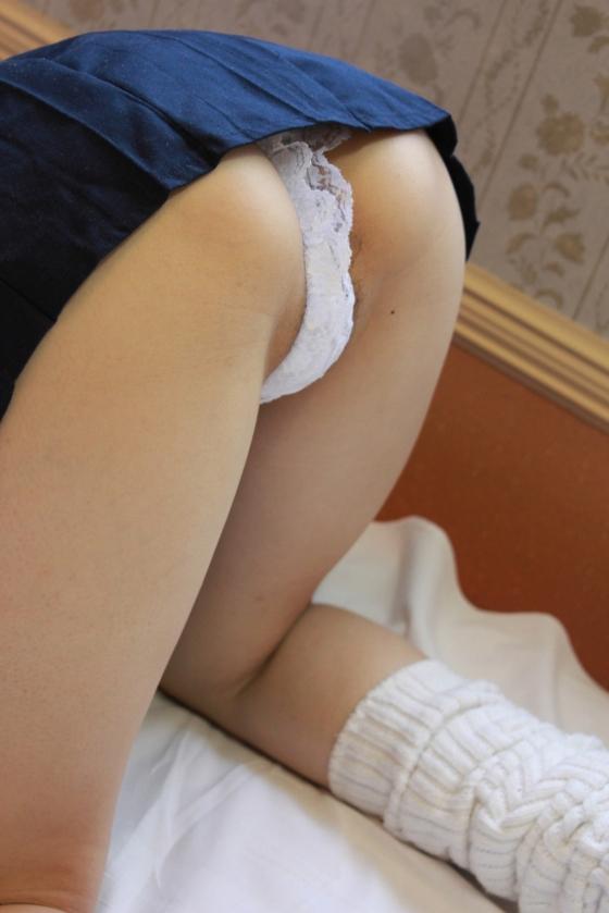 逢坂愛 メイドコスプレの陰毛チラ&染みパングラビア 画像28枚 27