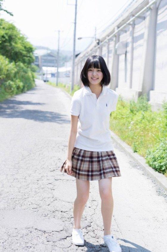平手友梨奈 マガジンの可愛い制服姿グラビア 画像30枚 24