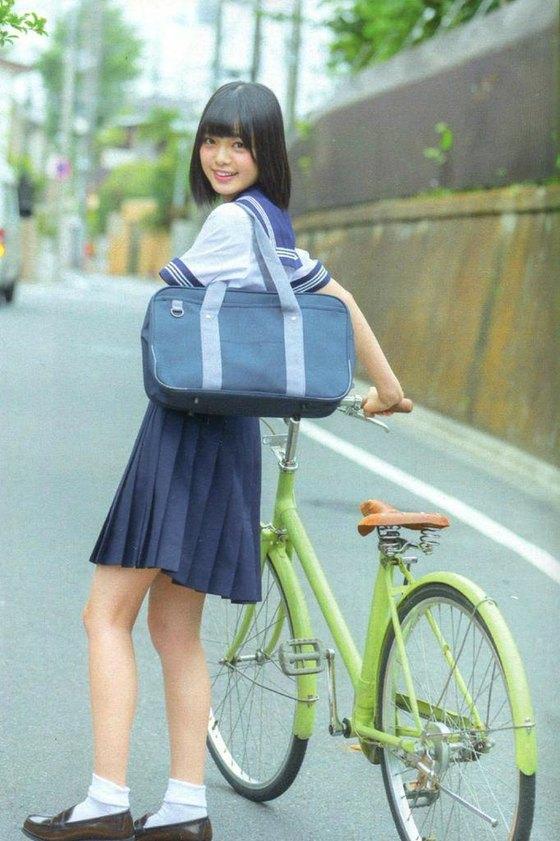 平手友梨奈 マガジンの可愛い制服姿グラビア 画像30枚 3