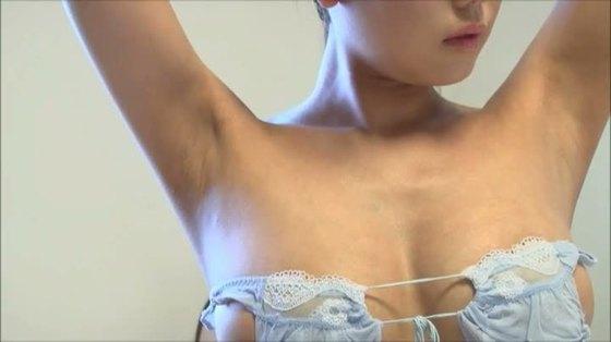 篠原冴美 Secret Lover2のGカップ爆乳ハミ乳&食い込みキャプ 画像25枚 11