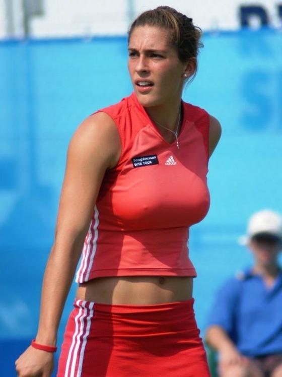 女子テニスプレイヤーの乳首ポチや乳首透けなお宝 画像33枚 12
