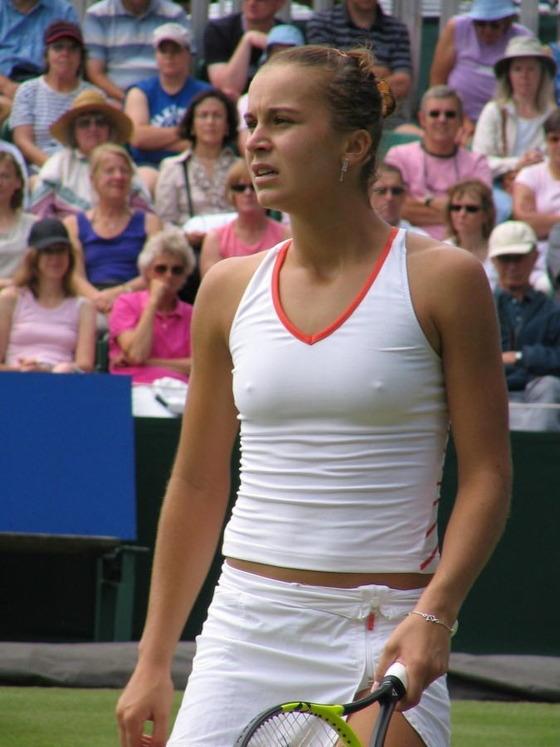 女子テニスプレイヤーの乳首ポチや乳首透けなお宝 画像33枚 19