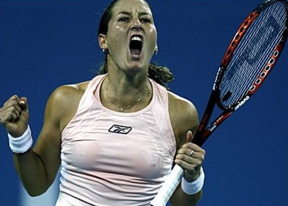 女子テニスプレイヤーの乳首ポチや乳首透けなお宝 画像33枚 25