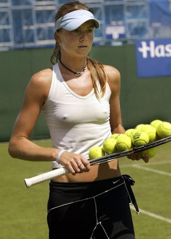 女子テニスプレイヤーの乳首ポチや乳首透けなお宝 画像33枚 4