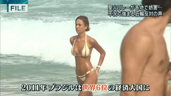 ビーチの水着姿ギャルが映ったテレビ番組キャプ 画像32枚 26