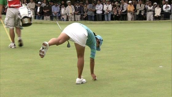 女子プロゴルファーのパンチラや太ももが気になるキャプ 画像45枚 23