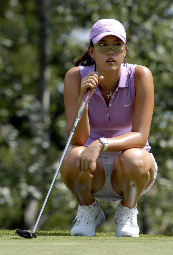 女子プロゴルファーのパンチラや太ももが気になるキャプ 画像45枚 2