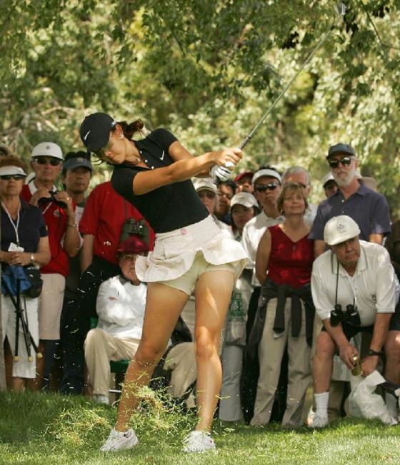女子プロゴルファーのパンチラや太ももが気になるキャプ 画像45枚 36