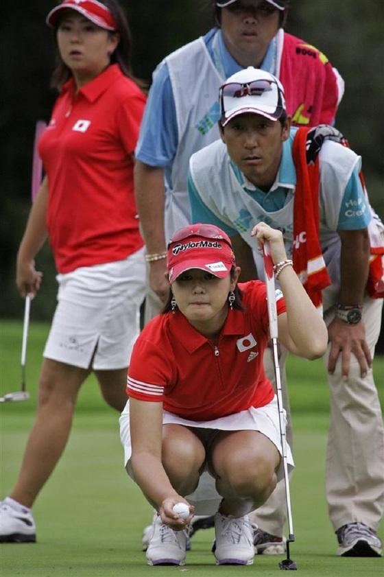 女子プロゴルファーのパンチラや太ももが気になるキャプ 画像45枚 41