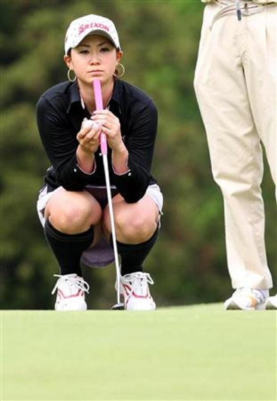 女子プロゴルファーのパンチラや太ももが気になるキャプ 画像45枚 42