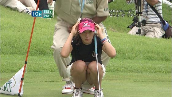 女子プロゴルファーのパンチラや太ももが気になるキャプ 画像45枚 5