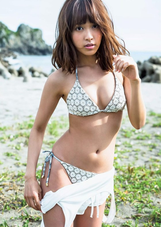 松本愛 ヤングアニマルのCカップ水着グラビア 画像24枚 23