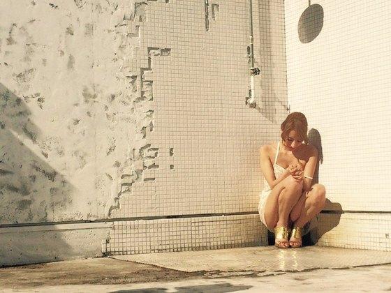 加藤紗里 インスタに投稿した乳輪チラ入浴ヌード 画像25枚 19
