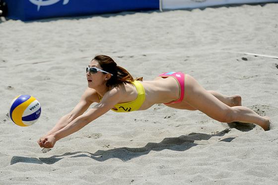 女子ビーチバレー選手達の股間やお尻の食い込みに注目 画像44枚 31