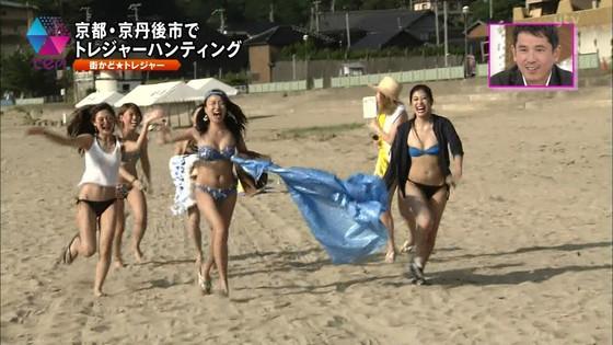 テレビ番組のロケで映った一般女性達の水着姿キャプ 画像32枚 2