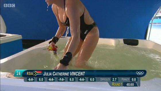 リオ五輪女子飛び込み選手の乳首ポチ&食い込みキャプ 画像32枚 19