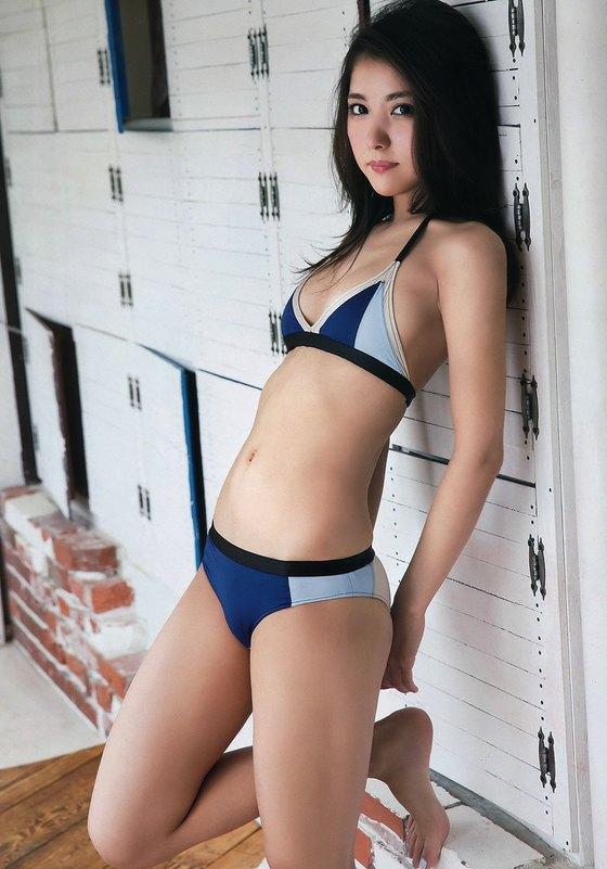 石川恋 ヤングチャンピオンのDカップ谷間水着グラビア 画像26枚 22