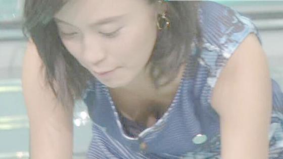 小島瑠璃子 Eカップ胸チラを披露した五輪特集番組キャプ 画像16枚 5