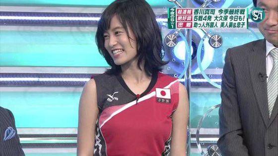 小島瑠璃子 Eカップ胸チラを披露した五輪特集番組キャプ 画像16枚 7