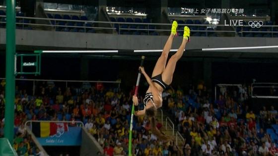 リオ五輪女子棒高跳び選手達のお尻食い込みキャプ 画像30枚 21