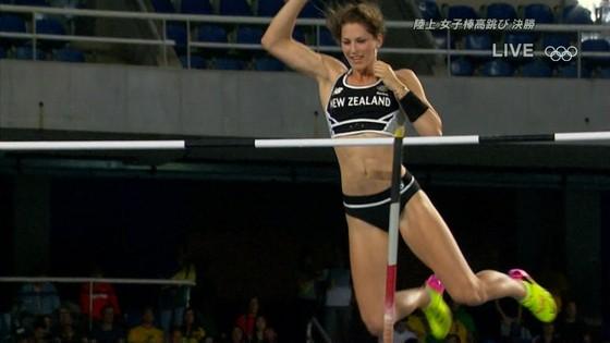 リオ五輪女子棒高跳び選手達のお尻食い込みキャプ 画像30枚 23