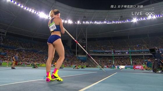 リオ五輪女子棒高跳び選手達のお尻食い込みキャプ 画像30枚 9